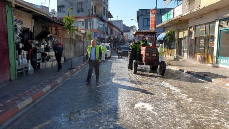 Kadirli cadde ve sokakları yıkanarak dezenfekte edildi