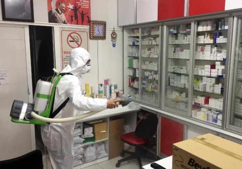 Antalya'da eczaneler dezenfekte ediliyor