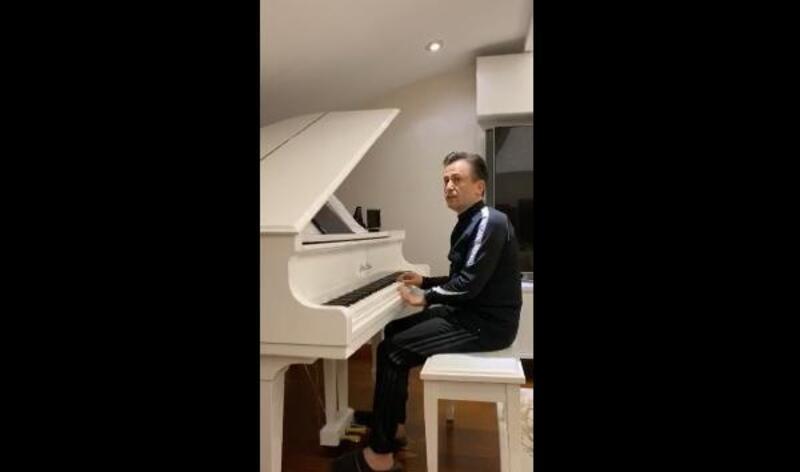 Tuzla Belediye Başkanı Yazıcı, canlı yayında piyano çaldı