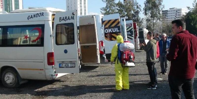 İskenderun'da minibüs ve taksiler dezenfekte edildi