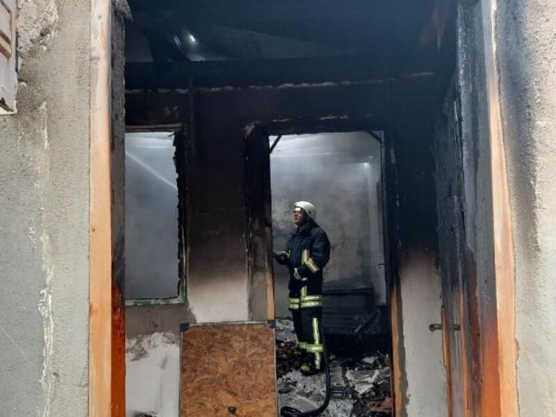 Keşan'da tek katlı ev yandı