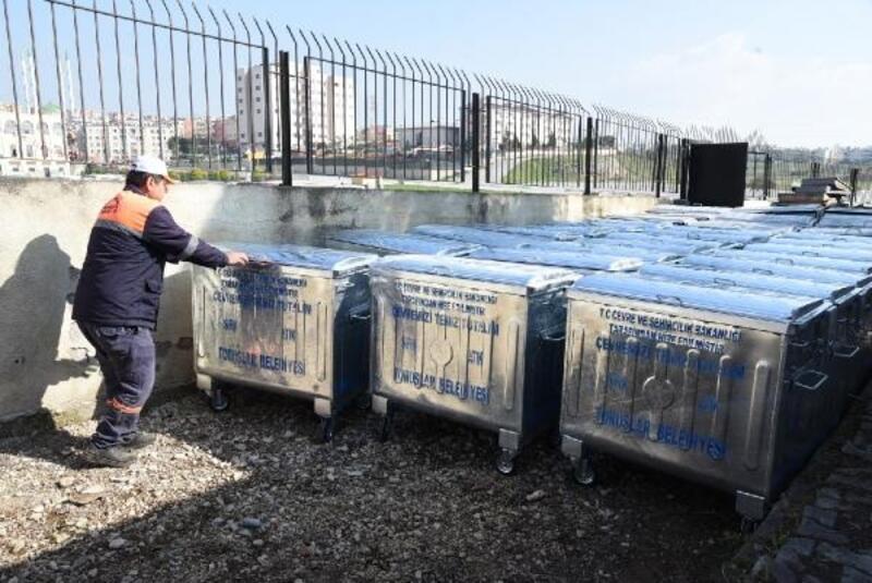 Toroslar'da çöp konteynerleri yenilendi
