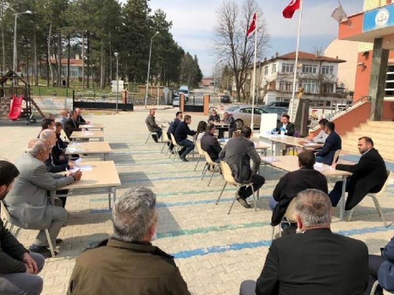 Açık havada Vefa  Sosyal Destek Grubu toplantısı yapıldı