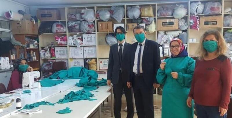 Serik'te maske ve önlük üretimine başlandı