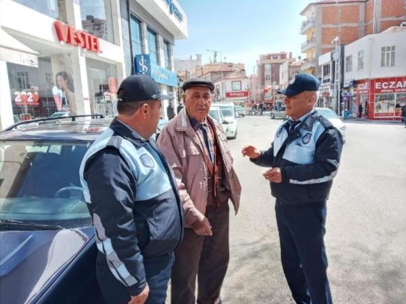 Şereflikoçhisar'da sokağa çıkan yaşlı vatandaşlara uyarı