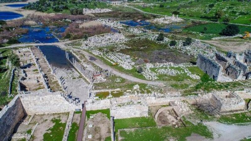 Patara'da 74 izinsiz yapıya yıkım kararı