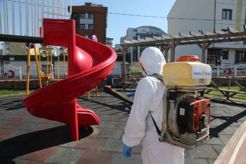Sultanbeyli'de koronavirüsle mücadele hız kesmeden sürüyor