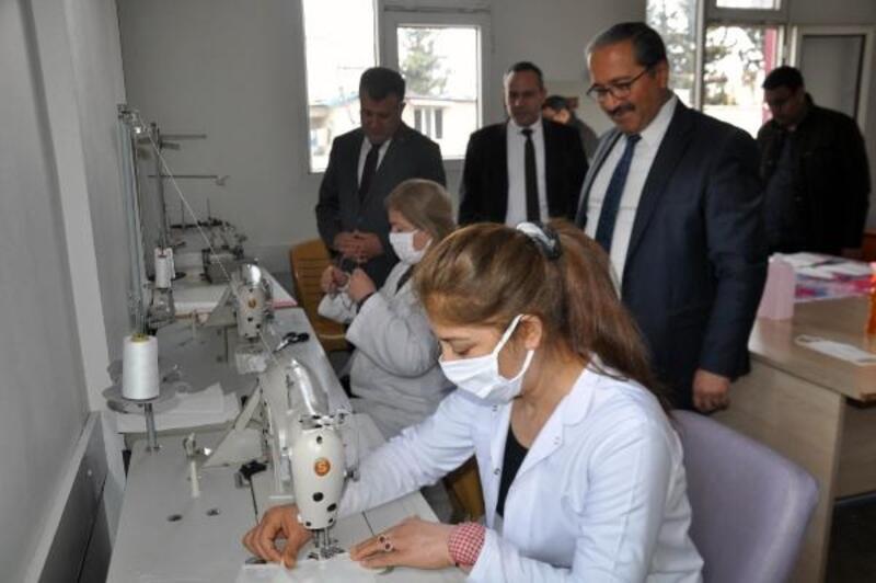 Reyhanlı HEM'de maske üretimi yapılıyor