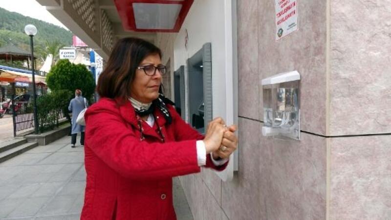 Anamur'da ATM'lere koronavirüs tedbiri