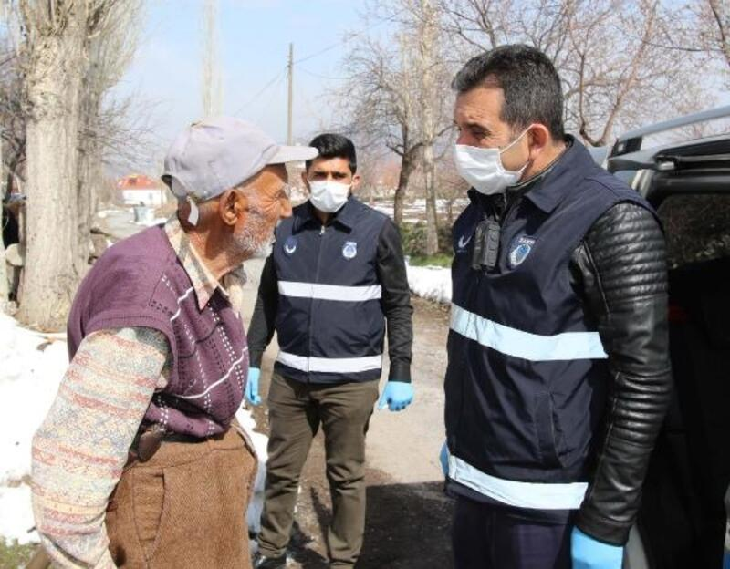 Hacılar'da 'Vefa Sosyal Destek Grubu'ndan 65 yaş üzeri vatandaşlara ziyaret