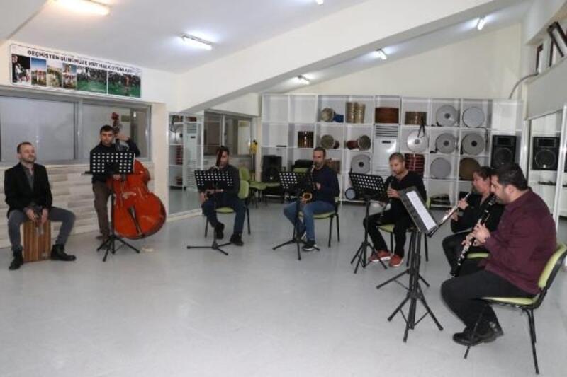 Oda Müziği Grubu'ndan sosyal medyadan mini konser