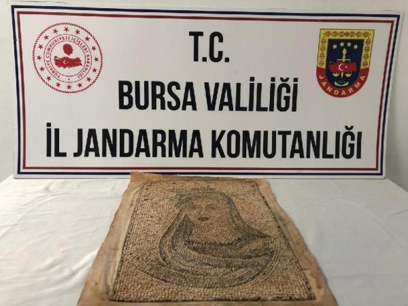 Bursa'da 1300 yıllık mozaik tablo ele geçirildi; 5 gözaltı