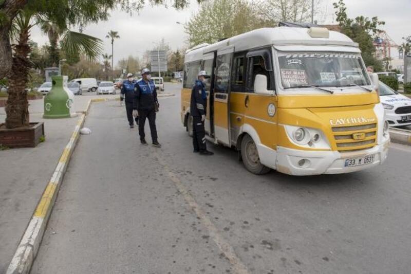 Trafik zabıta ekipleri toplu taşıma araçlarını denetliyor