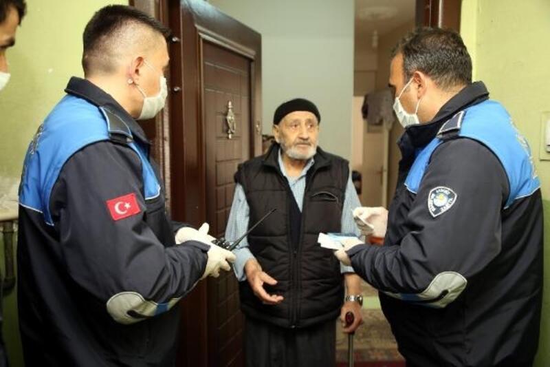 Zabıta ekipleri, vatandaşların hizmetine koşuyor