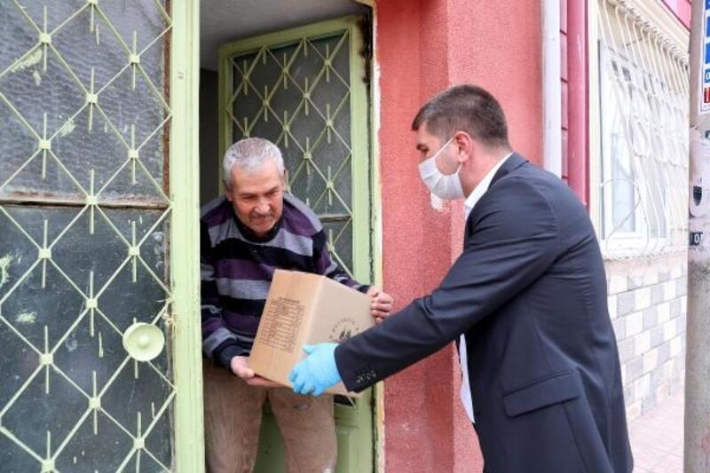 Burdur Belediyesi'nden gıda yardımı