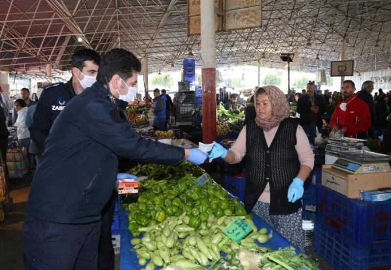 Kepez'in pazarlarında koronavirüs önlemleri