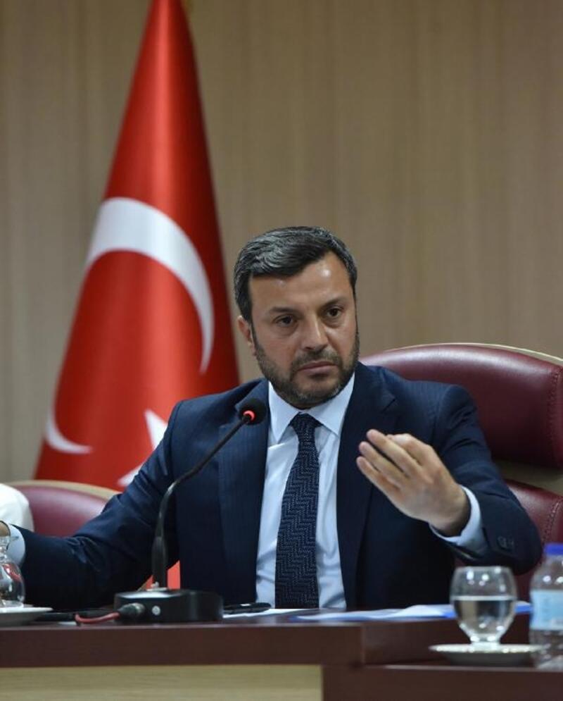 Başkan Kocaispir ihtiyaç sahipleri için maaşını bağışladı