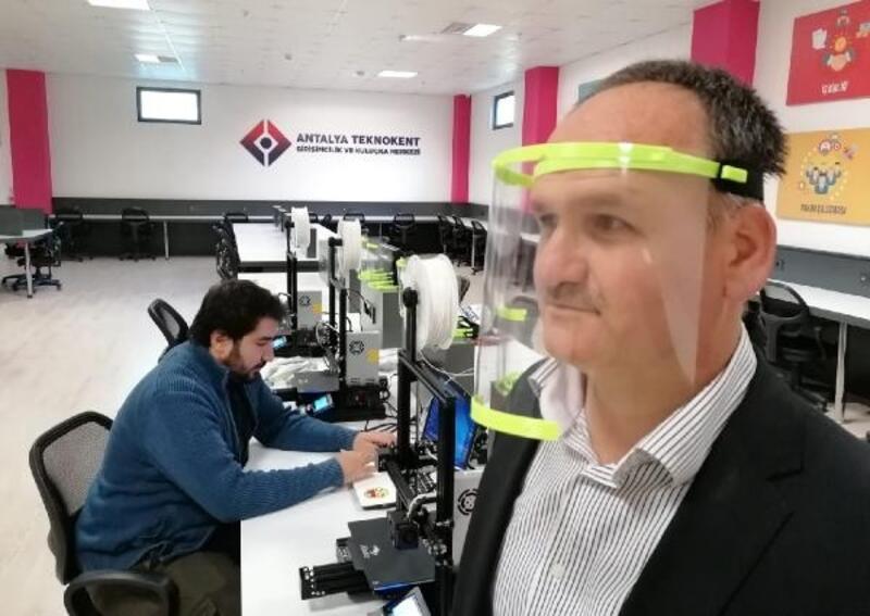 Antalya Teknokent 3D yazıcılarla maske üretimine başladı