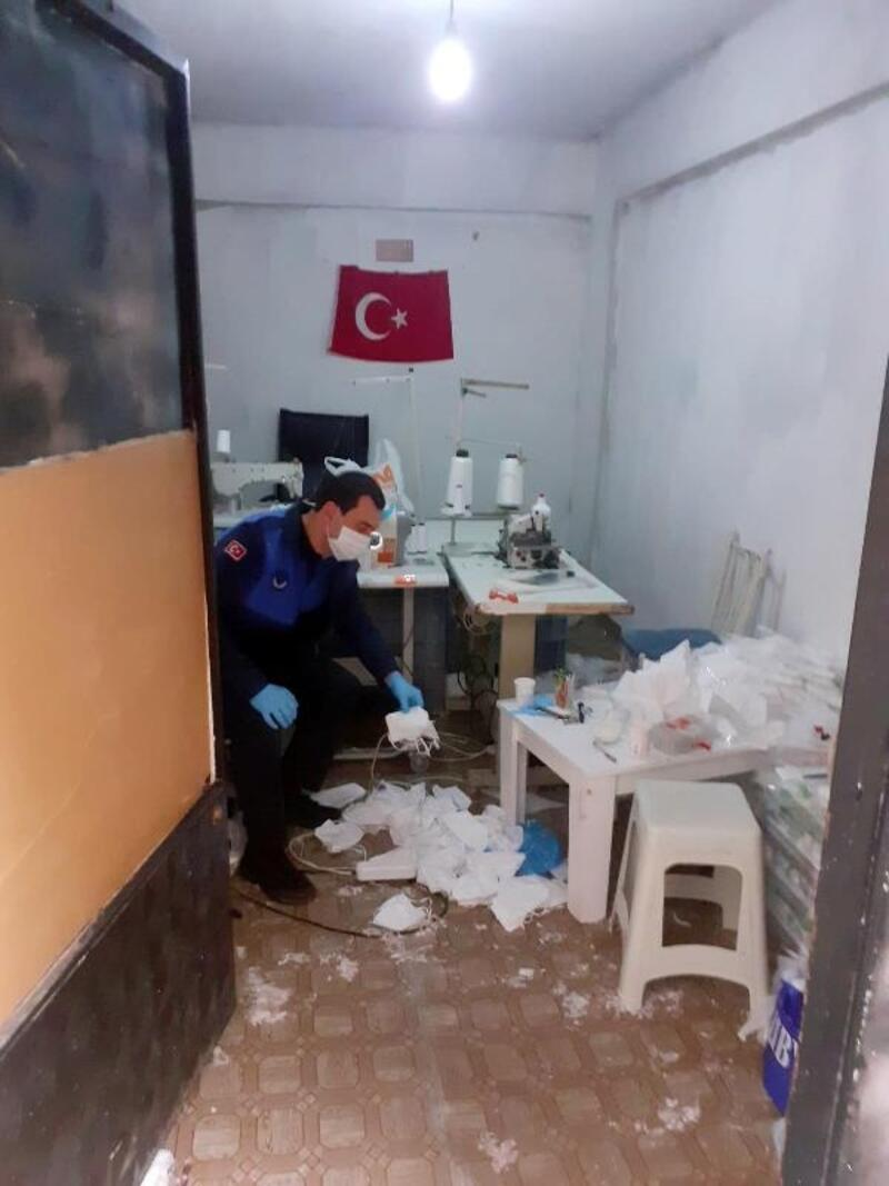 Kaçak maske üretimi yapan iş yeri mühürlendi