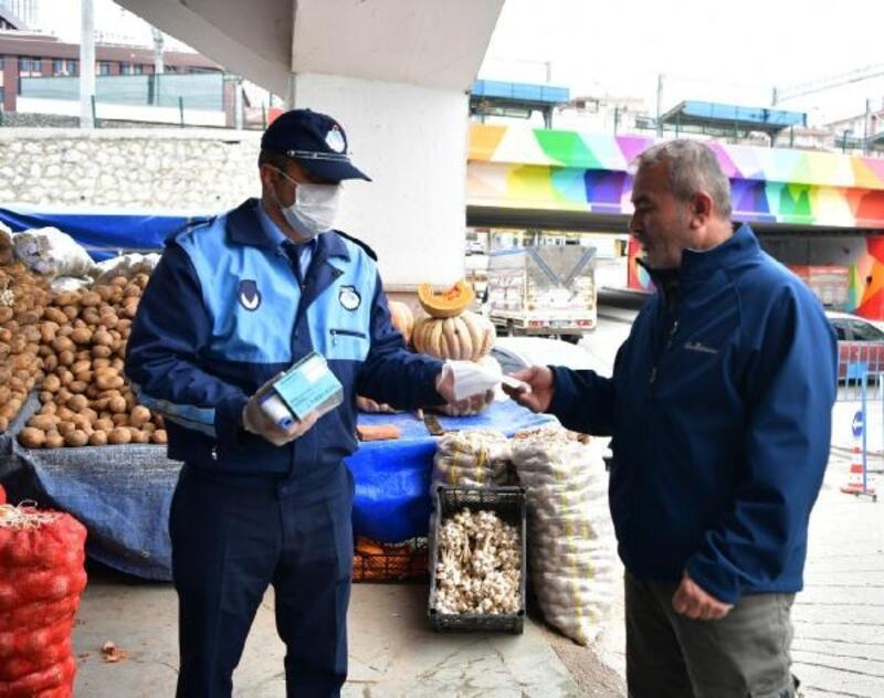Mamak'ta pazar yerlerine maskeli önlem