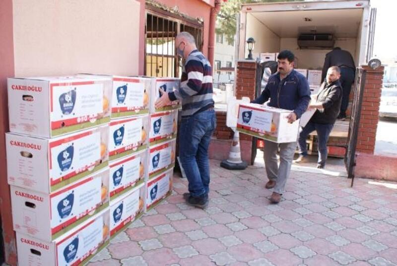 İhtiyaç sahibi 66 aileye gıda paketi teslim edildi