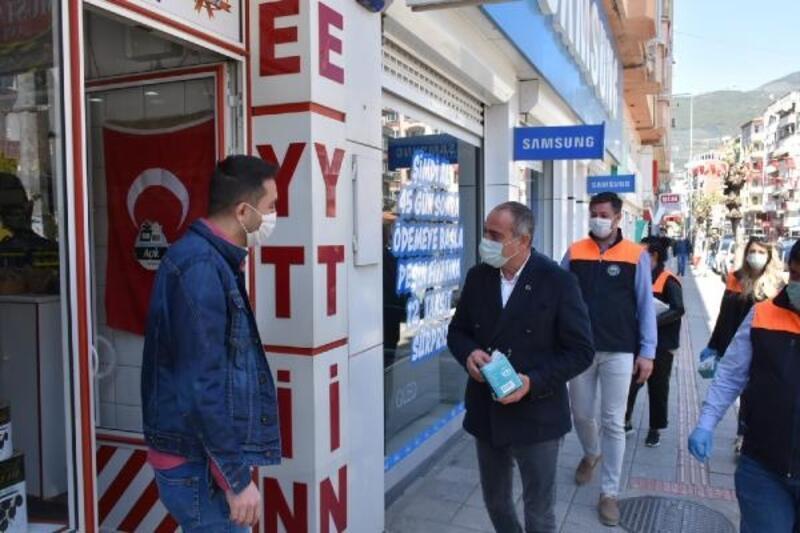 Gemlik Belediyesi 200 bin adet maske dağıtıyor