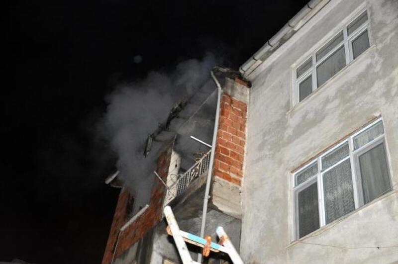 Evde patlayan televizyon yangın çıkardı