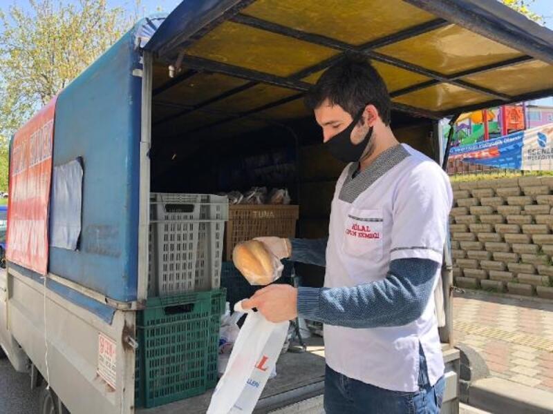 Esenler'de yasağın ikinci günü de ekmek dağıtımı devam etti