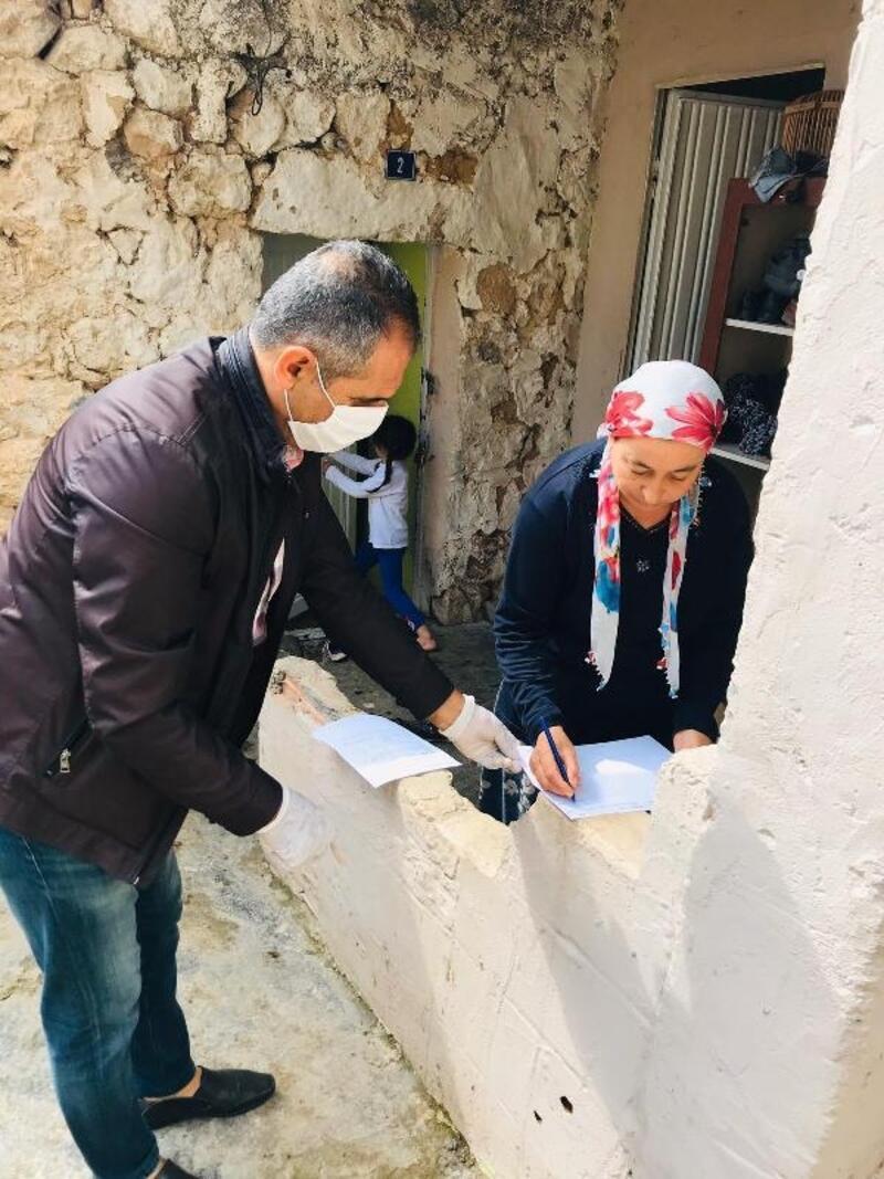 Gercüş'te nakdi destekler evlerde teslim ediliyor