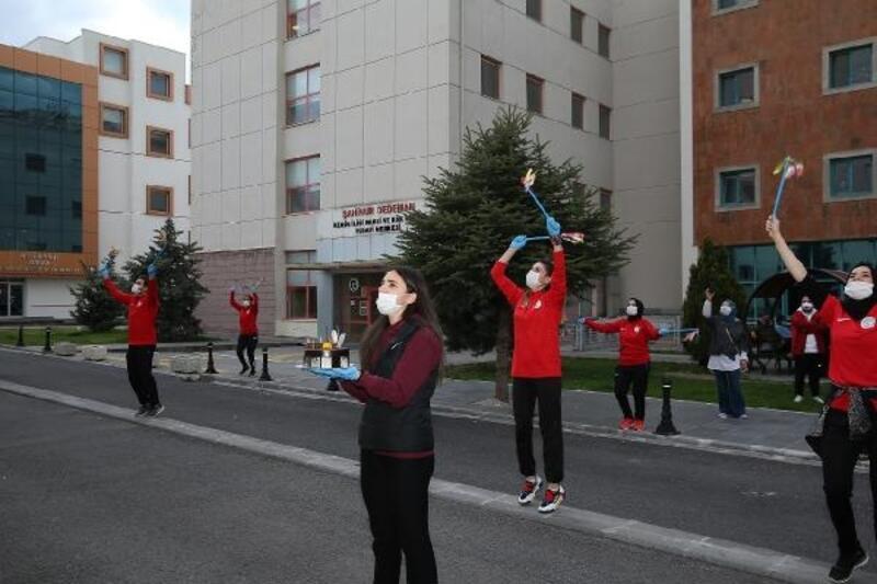 Kayseri'de lösemili çocuklara danslı moral