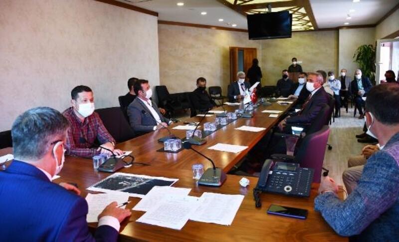 Meclis üyeleriyle değerlendirme toplantısı