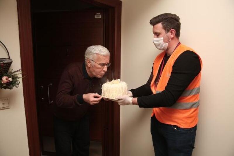 Nilüfer ekiplerinden pasta sürprizi