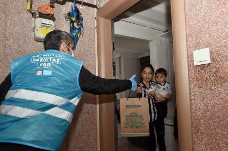 Beşiktaş'ta çocuklara hediyeler dağıtıldı