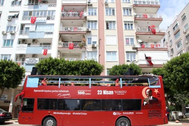 Büyükşehir Bandosu 23 Nisan coşkusu yaşatıyor