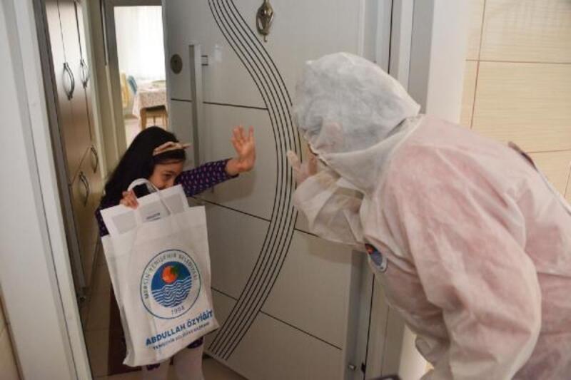 Yenişehir'de çocuklara 23 Nisan hediyesi
