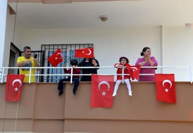 Mersin'de 23 Nisan'da sürpriz doğum günü ziyaretleri