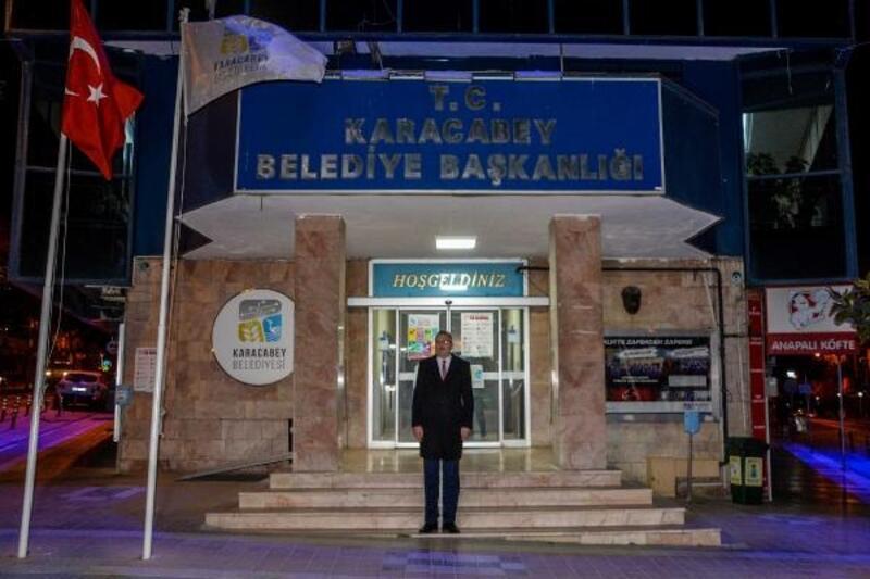 Karacabey Belediye Başkanı Özkan, İstiklal Marşı'nı söyledi