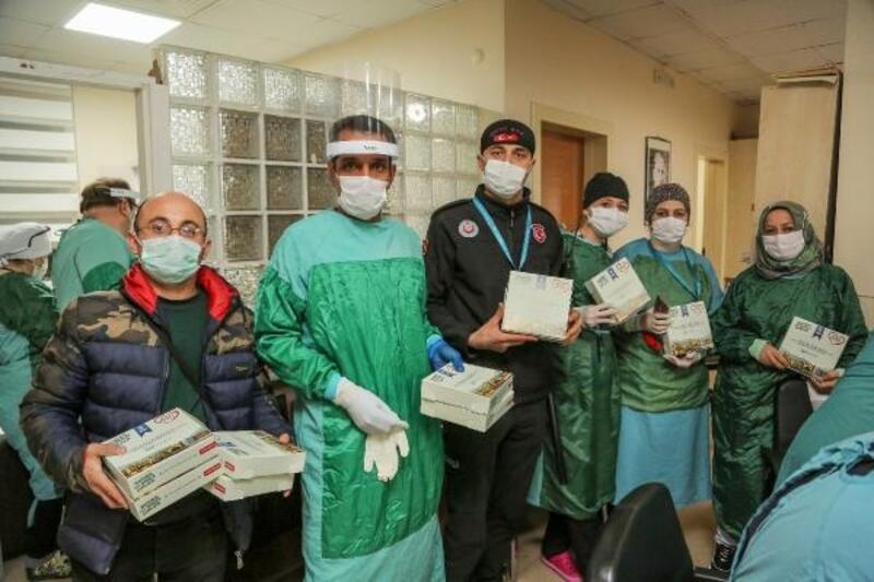 Sağlık çalışanlarının ilk sahuru Bursa Büyükşehir Belediyesi'nden