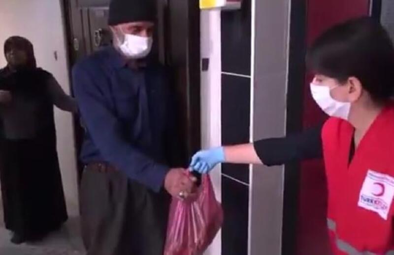 Elazığ'da evde kalan yaşlılara ışgın servisi