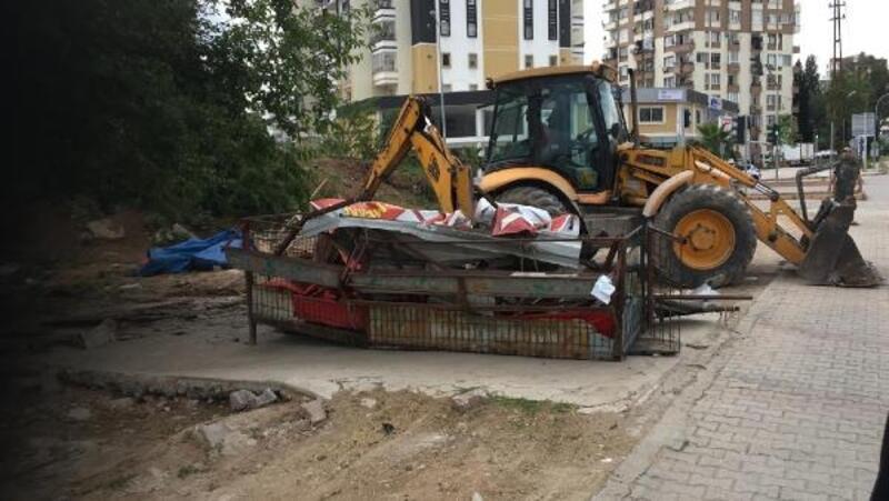 Adana'da çevre ve görüntü kirliliğine neden olan adaklık kurban satış yerleri kaldırıldı