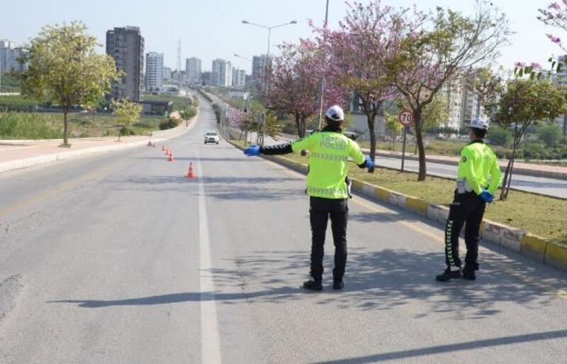 Sokağa çıkma yasağını ihlal eden 277 kişi ve araç sürücüsüne ceza yazıldı
