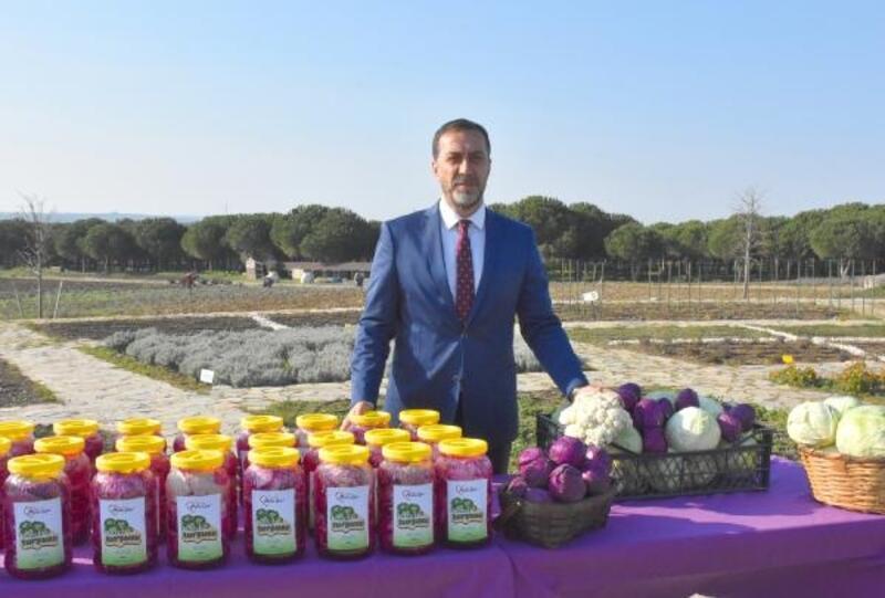 Organik turşu ve fasulyeler Silivri Gıda Bankası'na teslim edildi