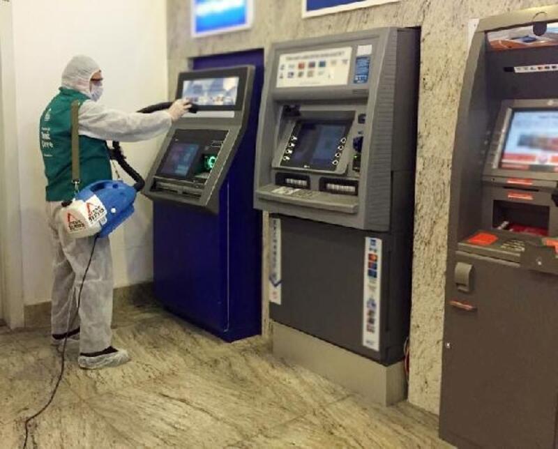 Hastane yakınlarındaki ATM'lere yönelik temizlik çalışmaları arttı