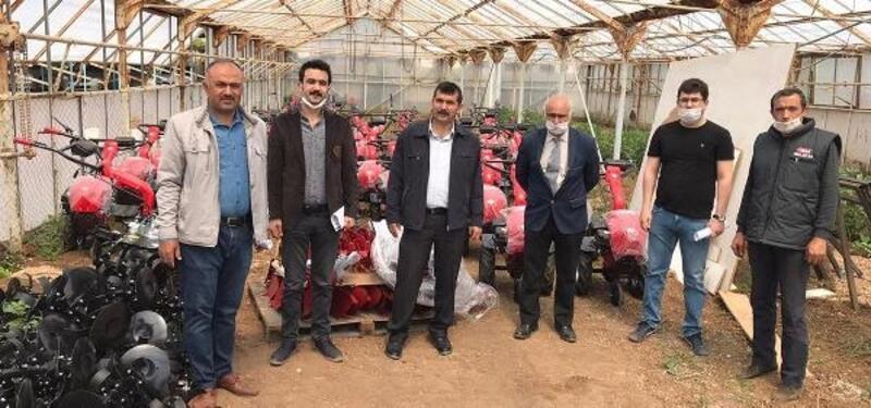 Kilis'te, 52 çiftçiye çapa makinesi dağıtımı başladı
