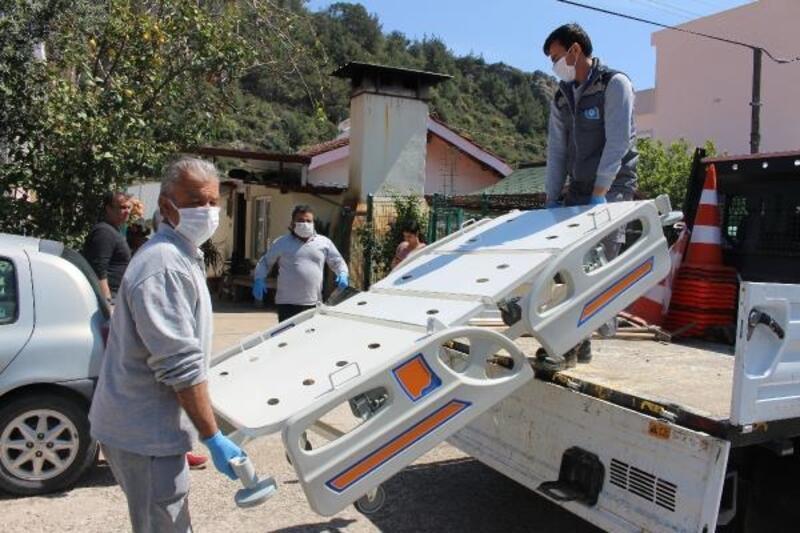 Büyükşehir'den 3 ilçede 5 kişiye hasta yatağı yardımı