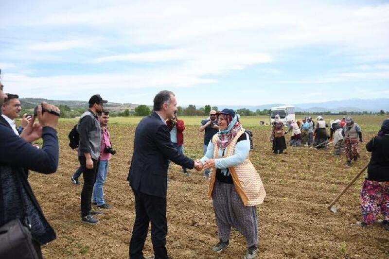İnegöl Belediye Başkanı Taban: Millet olarak işçilerin alın terinin önemini biliyoruz