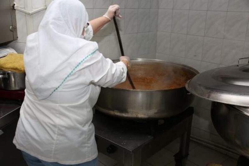 Meram Belediyesinden ihtiyaç sahipleri sıcak yemek