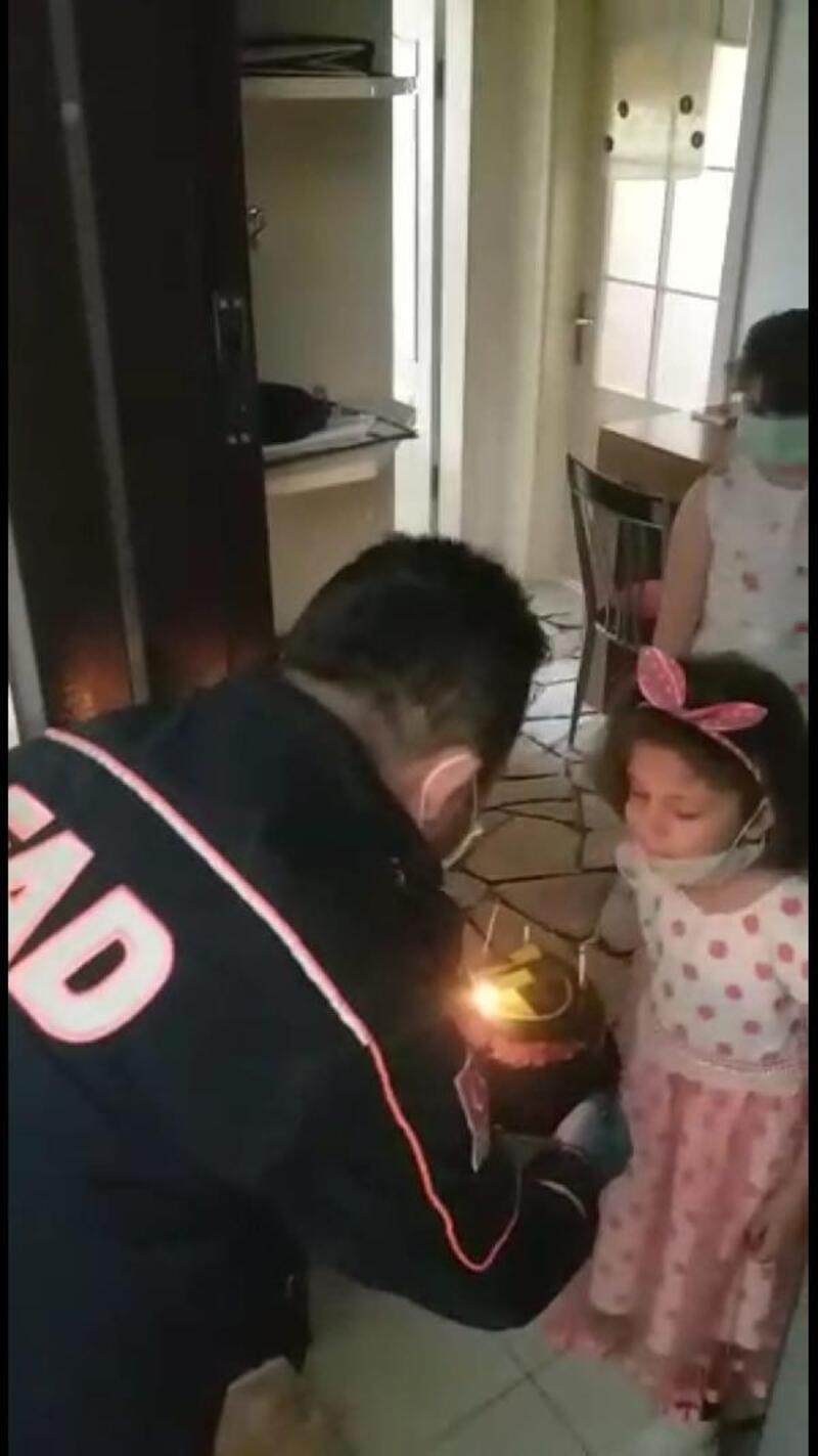 Vefa Sosyal Destek Grubu'ndan minik Nur'a sürpriz doğum günü