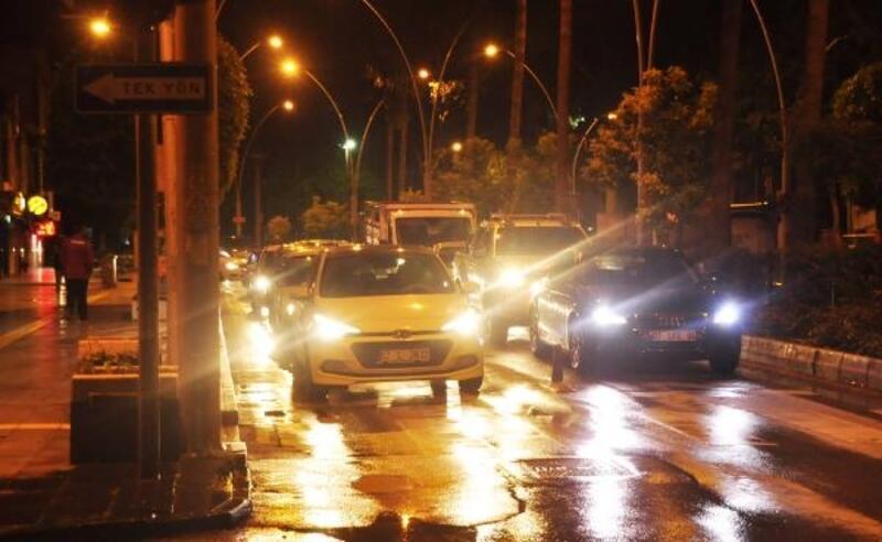 Yasak bitti vatandaşlar sokağa çıktı
