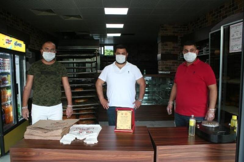 Erdemli'de örnek fırıncıya plaket